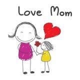 Tochter geben Blumenmutter mit der gezeichneten Wortliebes-Mutterhand Lizenzfreie Stockbilder