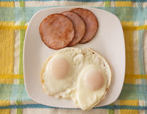 Tocino canadiense y huevos Imagenes de archivo