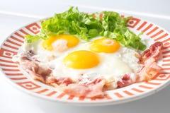 Tocino de la pizca de los huevos fritos Imagen de archivo