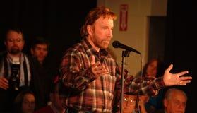 Tocones de Chuck Norris para Mike Huckabee Imagen de archivo
