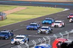 Toczny początek w Super GT finału rasie 66 podołków przy 2015 AUTOBACS SU Zdjęcie Stock