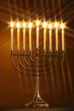 Toda a vela lite no menorah tradicional de Hanukkah com filtro da estrela Imagem de Stock