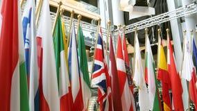 todas las banderas europeas de las sindicalistas en el cuarto de los medios metrajes