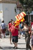 Todas las edades que participan en Día de la Independencia en Barcelona, España fotografía de archivo libre de regalías