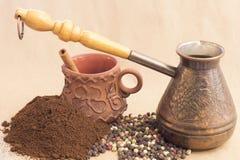 Todavía de Fugural imagen de la foto de la vida del jezve, del café del aroma y de la pimienta Imágenes de archivo libres de regalías