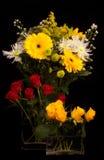 Todavía de la flor vida con las rosas, los crisantemos y otros Fotografía de archivo libre de regalías