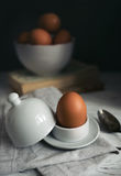 Todavía de la mañana vida con los huevos Foto de archivo libre de regalías
