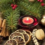 Todavía de la Navidad vida con las especias y la vela Fotos de archivo