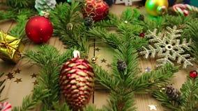 Todavía de la Navidad vida con las ramas del abeto metrajes