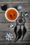 Todavía de la Navidad vida con té Foto de archivo libre de regalías