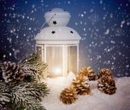 Todavía de la Navidad vida con una linterna Fotos de archivo
