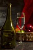 Todavía de la vendimia vida con el vino Imagen de archivo