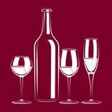 Todavía de la vendimia vida con el vino y el vidrio Fotos de archivo libres de regalías