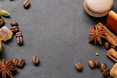 Todavía del café fondo de la vida - granos y especias Fotografía de archivo libre de regalías