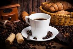 Todavía del café vida con la taza de café Foto de archivo libre de regalías