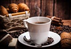 Todavía del café vida con la taza de café Imagen de archivo libre de regalías