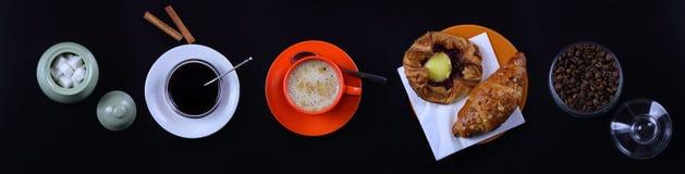 Todavía del panorama vida con café, el cruasán y el atasco Foto de archivo libre de regalías