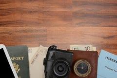 Todavía del viaje vida en la tabla de madera Imagen de archivo