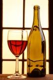 Todavía del vino tonos calientes de la vida Fotos de archivo libres de regalías