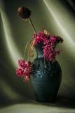 Todavía flor de la púrpura de la vida Foto de archivo libre de regalías