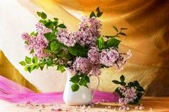Todavía floración de las flores de las lilas del ramo de la vida Fotografía de archivo libre de regalías