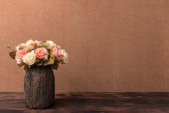 Todavía fotografía de la vida con las rosas Fotos de archivo libres de regalías