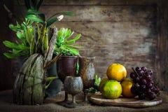 Todavía fotografía de la vida con las verduras y las frutas Fotos de archivo libres de regalías