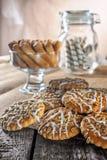Todavía la galleta de harina de avena hecha en casa del jengibre de la miel de la receta de la vida, pirueta rodó la oblea y el p Fotografía de archivo libre de regalías
