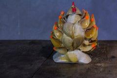 Todavía la vida con el pollo hizo la cáscara de la forma Imágenes de archivo libres de regalías