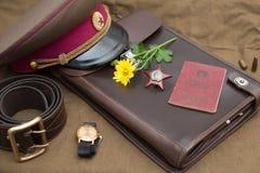 Todavía la vida con los objetos del vintage dedicó a Victory Day Orden de la estrella roja Imágenes de archivo libres de regalías