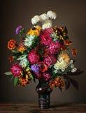 Todavía la vida con un ramo de otoño florece Fotografía de archivo libre de regalías