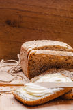 Todavía pan fresco de la vida con mantequilla y miel Foto de archivo