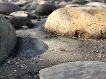 Todavía rocas del río Imagenes de archivo