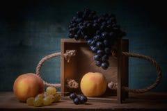 Todavía uvas naturales de la vida Fotos de archivo