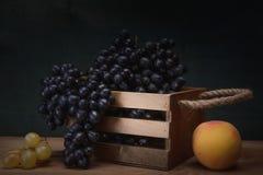 Todavía uvas naturales de la vida Foto de archivo libre de regalías