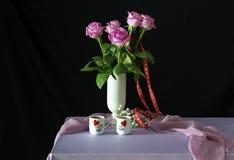 Todavía vida al día de tarjeta del día de San Valentín Imágenes de archivo libres de regalías