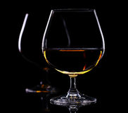 Todavía vida con dos vidrios de brandy Foto de archivo libre de regalías