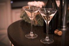 Todavía vida con dos vidrios de champán Imagen de archivo libre de regalías