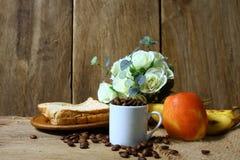 Todavía vida con el desayuno sano Imágenes de archivo libres de regalías