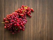 Todavía vida con el grupo de uvas frescas Fotografía de archivo libre de regalías