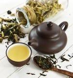 Todavía vida con el juego de té y la cuchara chinos Imagenes de archivo