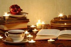 Todavía vida con el pomegranrte y el té Imágenes de archivo libres de regalías