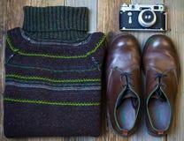 Todavía vida con el suéter del vintage foto de archivo