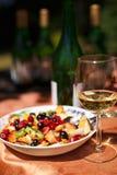 Todavía vida con el vidrio de vino Imagenes de archivo