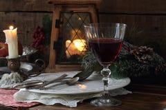 Todavía vida con el vino rojo Vector festivo Imagen de archivo