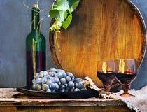 Todavía vida con el vino y los barriles Imagen de archivo