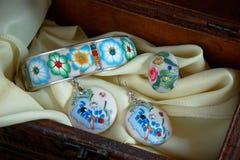 Todavía vida con joyería en rectángulo Foto de archivo libre de regalías