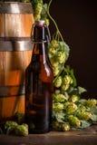 Todavía vida con la botella de cerveza Foto de archivo libre de regalías