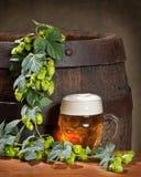 Todavía vida con la cerveza Fotografía de archivo