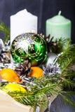 Todavía vida con la decoración del día de fiesta de la Navidad Fotos de archivo